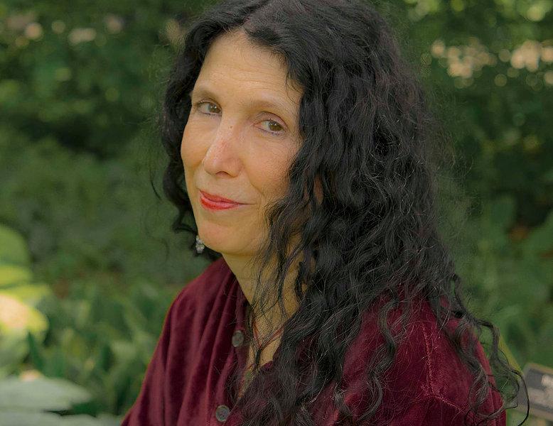 Caroline Leavitt Author Photo