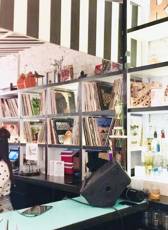 Royal-Palms-shuffleboard-Bar-DJ